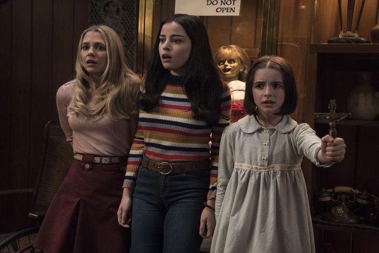 Sinopsis Film Annabelle Comes Home Kembalinya Teror Boneka Annabelle Halaman All Kompas Com