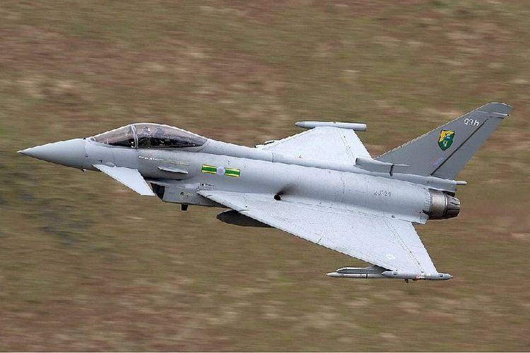 Sebuah Eurofighter Typhoon milik AU Inggris.
