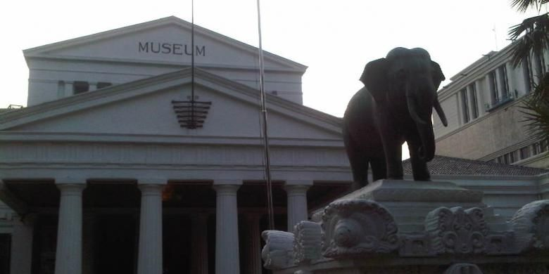 Museum Nasional atau yang lebih dikenal dengan Museum Gajah