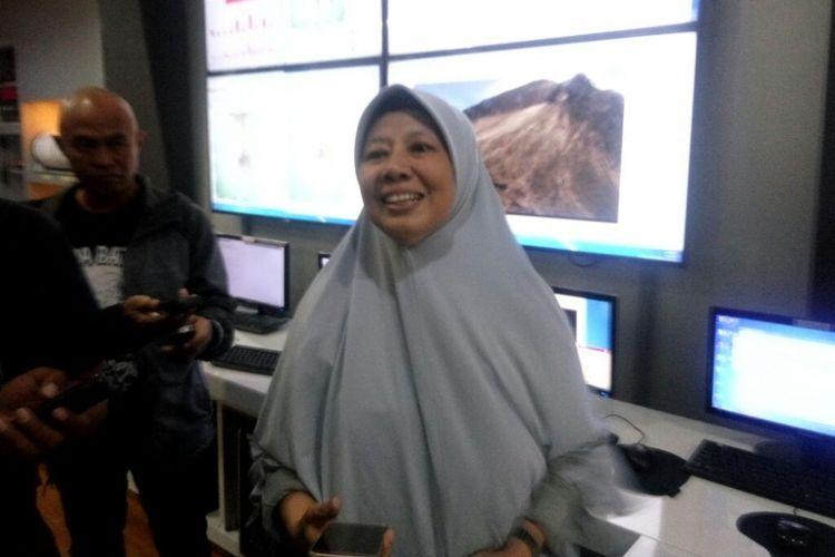 Kepala Balai Penyelidikan dan Pengembangan Teknologi Kebencanaan Geologi (BPPTKG) Hanik Humaida dalam jumpa pers terkait letusan freatik Gunung Merapi di Yogyakarta, Jumat (11/5/2018).