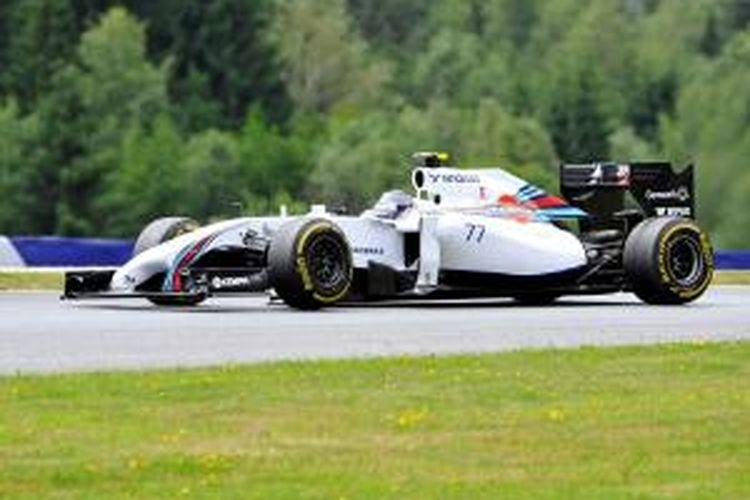 Pebalap Williams asal Finlandia, Valtteri Bottas, menjalani sesi latihan kedua GP Austria di Sirkuit Spielberg, Sabtu (21/6/2014).