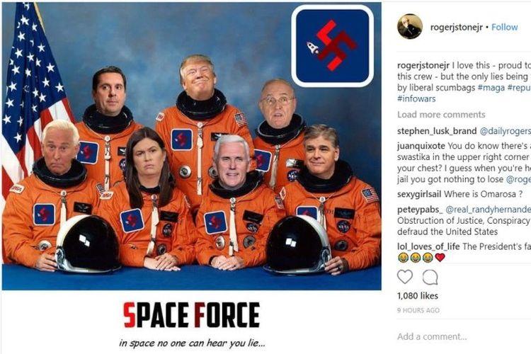 Meme Presiden AS Donald Trump dan pendukungnya mengenakan baju astronot berlogo swastika yang diunggah oleh mantan penasihat kampanye Trump, Roger Stone. Meme itu kini sudah dihapus. (Twitter)