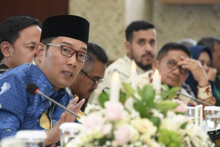 Ridwan Kamil memberikan pengayaan kepada para wali kota berbagai daerah di Indonesia dalam Mayor Caucus 2019 55th ISOCARP World Planning Congress di Balai Kota Bogor, Senin (9/9/2019).