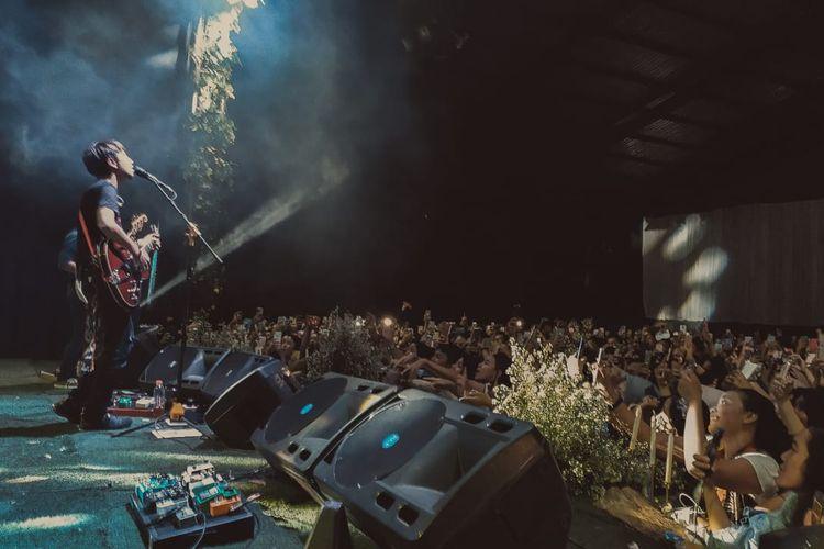 Fiersa Besari mampu menghipnotis penonton dalam Legacy Concert