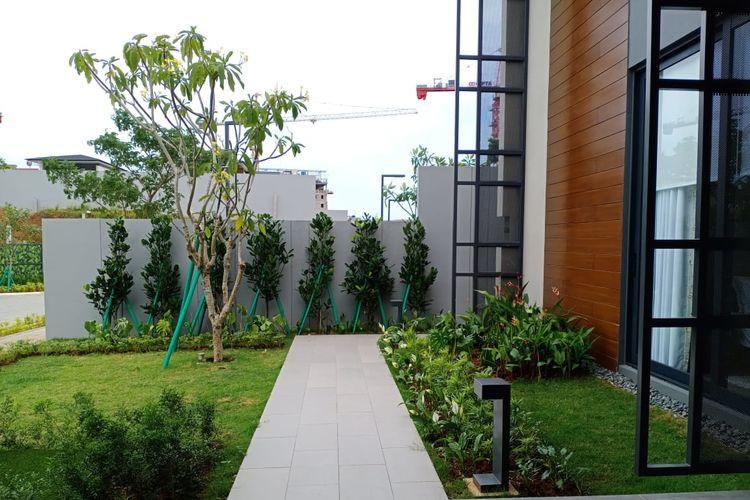 Front Yard yang ditata minimalis
