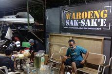 Di Waroeng Sak-sak'e, Pembeli Bisa Bayar dengan Baju Bekas dan Barang Rongsokan