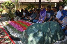 Yenny Wahid dan Mahasiswa Papua Kirimkan Salam Damai dari Makam Gus Dur