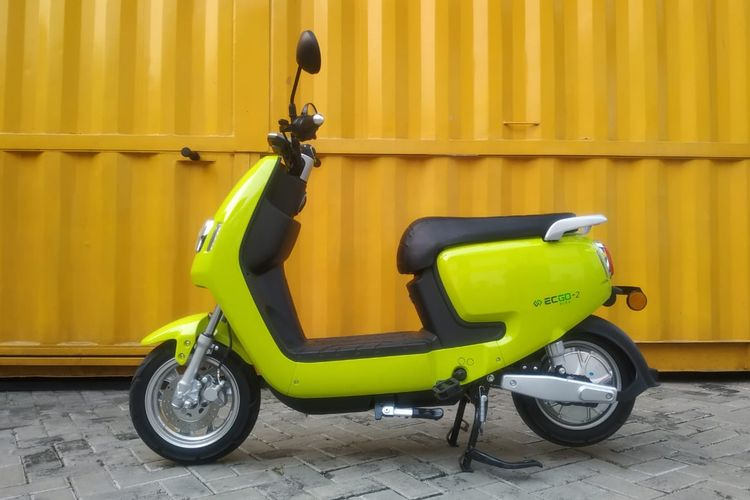 Sepeda motor listrik EC-GO II