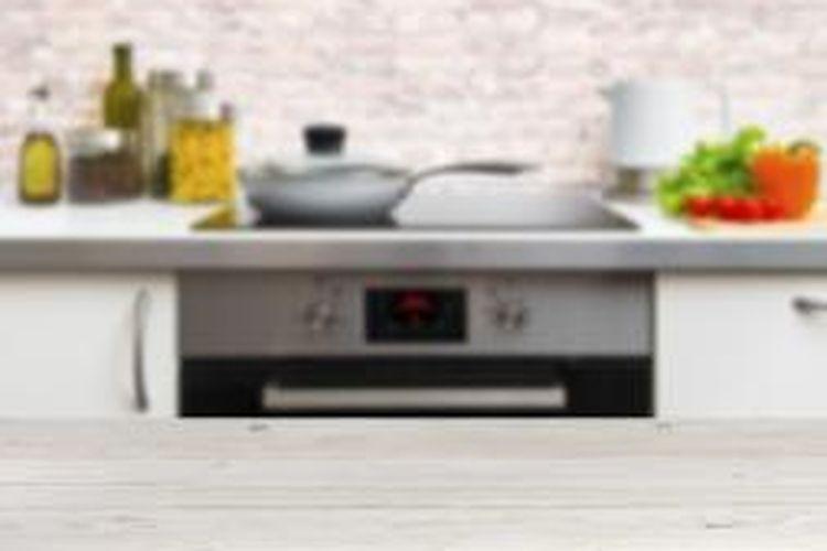 Alat-alat masak bisa menjadi pilihan kado termanis, apalagi kalau kebetulan teman Anda suka memasak.
