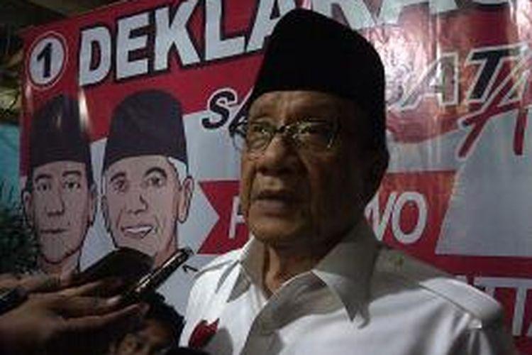 Akbar Tandjung, saat hadir dalam acara deklarasi Sahabat Akbar Tandjung di Malang, Jawa Timur, Senin (30/6/2014). Sahabat AT mendukung pasangan Prabowo-Hatta.