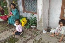 Ibu Ini Bawa 4 Anaknya Jalan Kaki 10 Km untuk Ambil Beras dari Dermawan