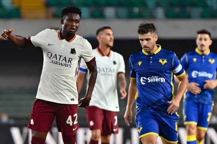 Gelandang asal Guinea, Amadou Diawara, saat bermain dalam laga Hellas Verona vs AS Roma pada pekan pertama Liga Italia 2020-2021 yang digelar di Stadion MarcAntonio Bentegodi, Minggu (20/9/2020) dini hari WIB.