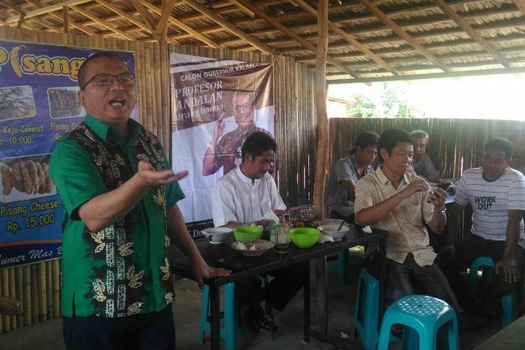 Bakal calon gubernur Kalsel, Denny Indrayana mulai gencar melakukan safari politik, Minggu (17/11/2019). Denny sudah diusung Partai Gerindra Kalsel.