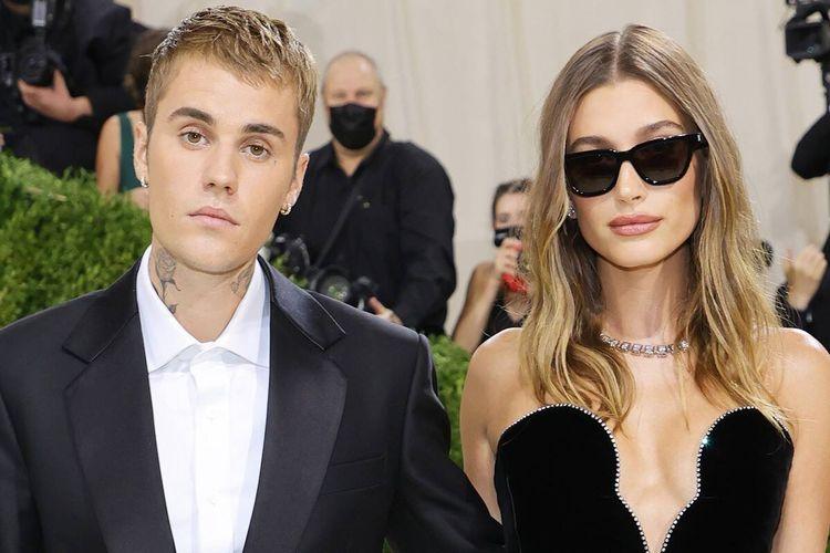 Justin Bieber dan Hailey Baldwin menghadiri Met Gala 2021 Met Gala di Metropolitan Museum of Art pada 13 September 2021 di New York City.