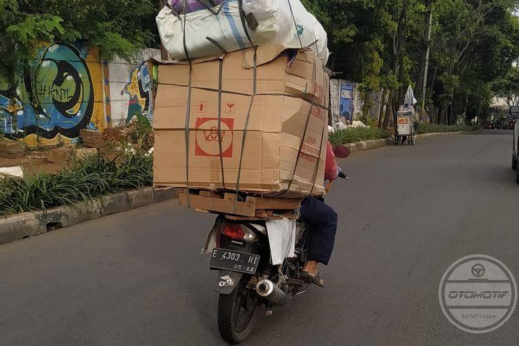 Motor membawa beban berat