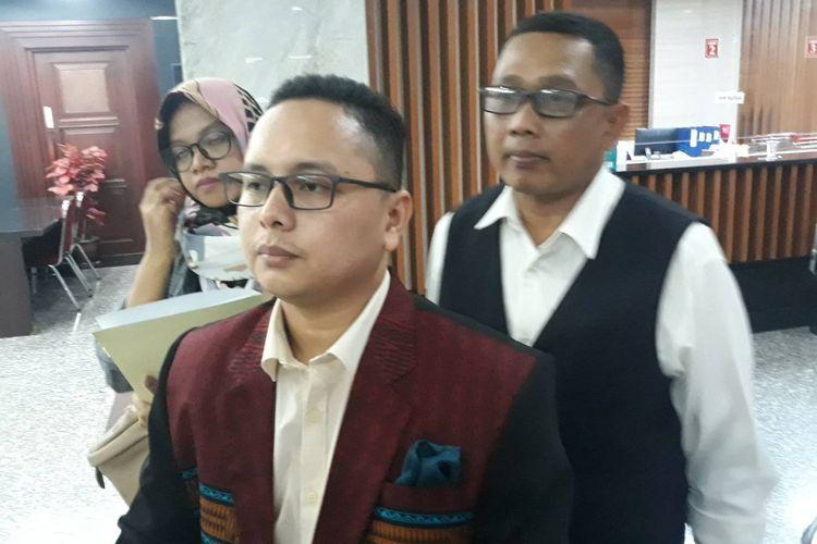 Pengacara Pitra Romadoni mengajukan judicial review (JR) di Mahkamah Konstitusi (MK), Jakarta Pusat, Senin (25/11/2019).