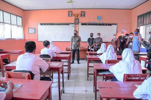 Bertemu Wabup Karawang Saat PTM, Siswa SMP: Alhamdulillah Pak, Akhirnya Kami Bisa Bersekolah