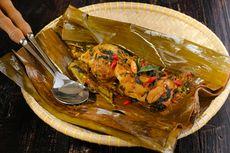 Resep Pepes Ayam Suwir Pedas, Bumbu Keluak dan Kemiri