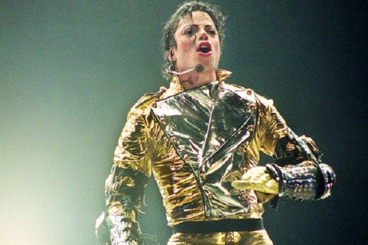 Michael Jackson saat tampil di konser tur dunianya bertajuk 'HIStory' di Stadion Ericsson Stadium, Auckland, New Zealand, pada 10 November 1996.