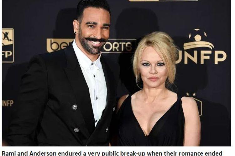 Pesepak bola asal Perancis, Adil Rami, saat masih menjalin asmara dengan bintang film asal Kanada, Pamela Anderson.