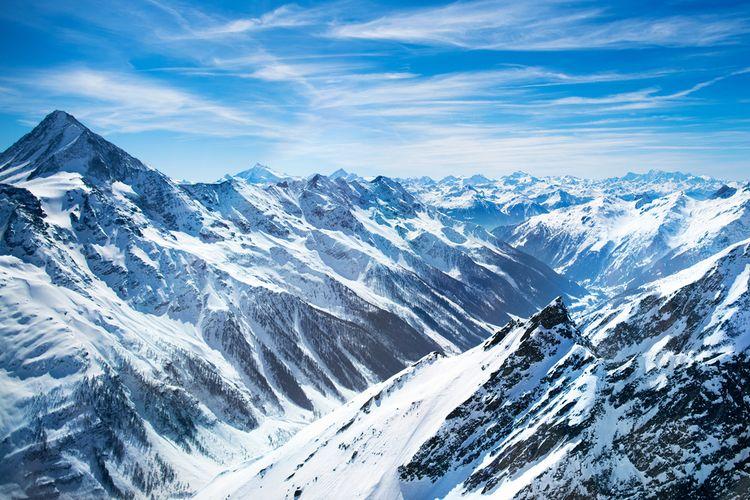 Pegunungan alpen di Swiss