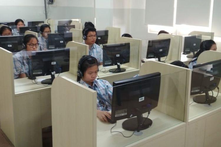Ilustrasi. Pelaksanaan simulasi UNBK di Sekolah Pahoa, Summarecon Serpong