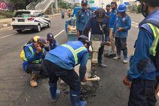 Viral Pengendara Sepeda Motor Oleng dan Terjatuh di Cilandak akibat Jalan Bergelombang