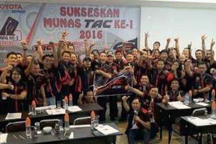 Musyawarah nasional (Munas) Toyota Agya Club (TAC) resmi memilih M Lukman Hakim sebagai Ketua Umum periode 2016-2018.