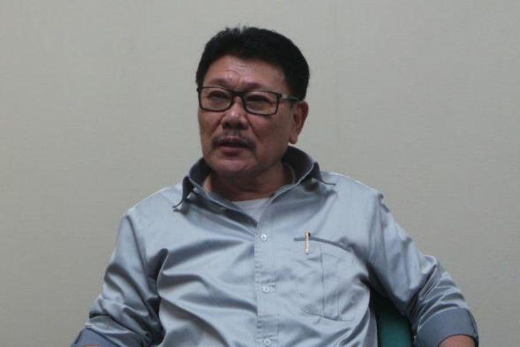 Anggota Komisi A dan anggota fraksi Nasdem DPRD DKI Jakarta, Inggard Joshua, saat ditemui wartawan, di ruang kerjanya di Gedung DPRD DKI Jakarta, Senin (18/4/2016).