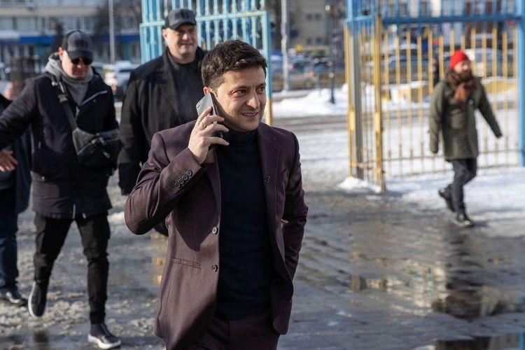 Aktor komedi Ukraina, Volodymyr Zelensky, maju dalam pemilihan presiden yang akan diselenggarakan pada 31 Maret 2019 mendatang.