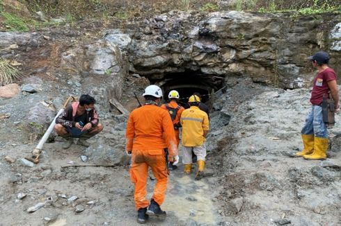 Dua Penambang Emas di Minahasa Selatan Ditemukan Tewas, Tim SAR Pindahkan Timbunan Batu Besar