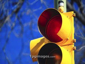 Malam di Sudut Lampu Merah Halaman all - Kompas com