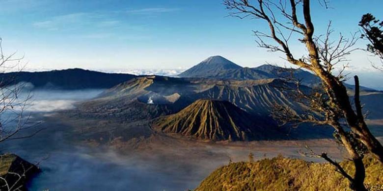 Gunung Bromo Lukisan Alam Terindah Di Jatim Kompas Com