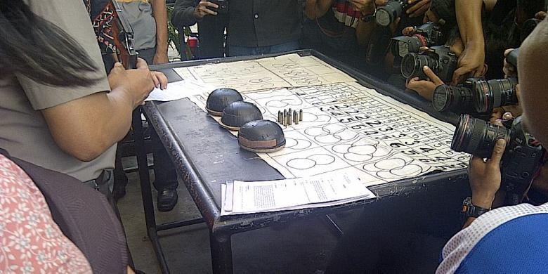 Bawa Pistol, Pemain Judi Ditangkap di Bekasi - Kompas.com