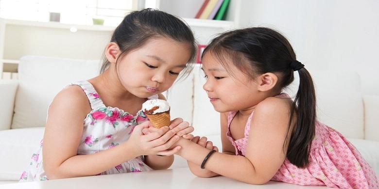 Menumbuhkan Empati Pada Anak