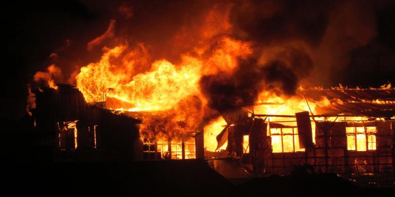 Penginapan Esek Di Manado Ludes Terbakar