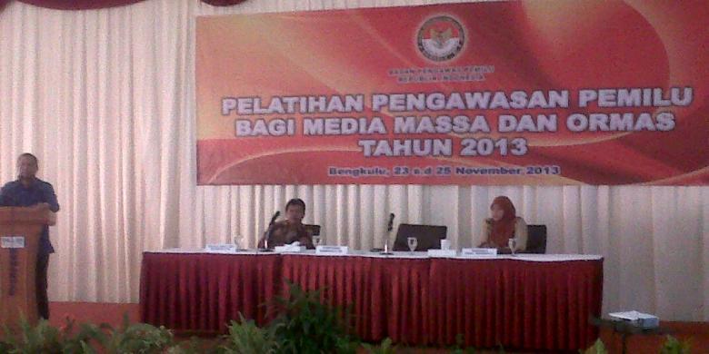 Pelatihan pengawas pemilu bagi media dan ormas digelar Bawaslu Bengkulu