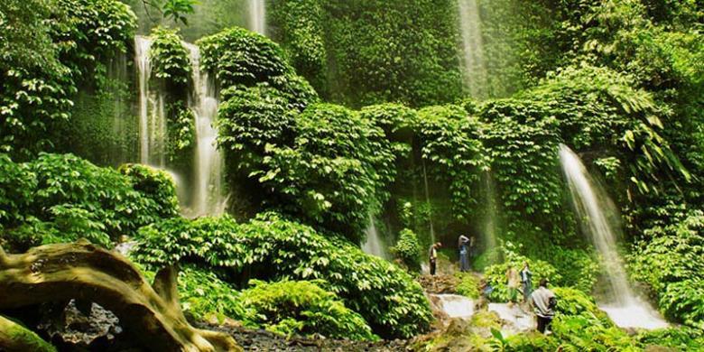 1400304wisatawan1780x390 - Rekomendasi Wisata Indah di Nusa Tenggara Barat