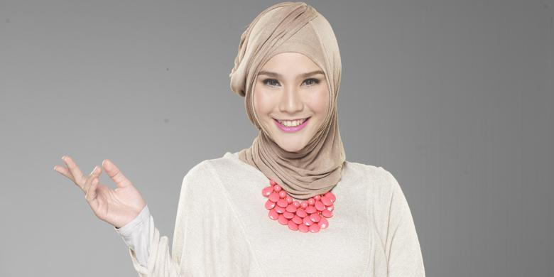 Zaskia Mecca Nyaman dengan Make Up Berlabel Halal - Kompas.com dd3158f3d4