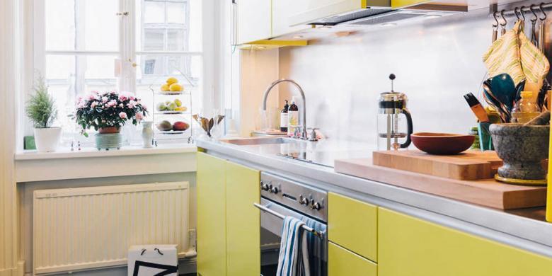 Siasat Menata Dapur Sempit Terkesan Lega
