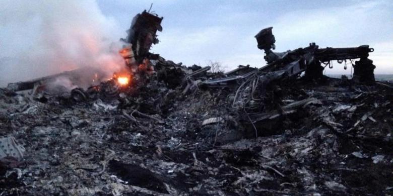kronologi jatuhnya pesawat malaysia airlines mh17 di ukraina