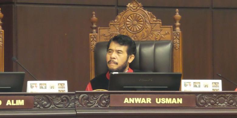 Hasil gambar untuk Dr. Anwar Usman, Hakim MK