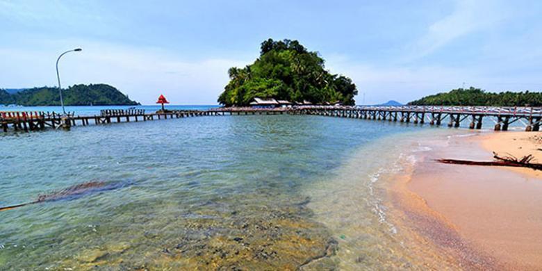 Hasil gambar untuk i Pantai Padang Iskandar