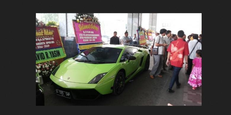 Ini Estimasi Biaya Pajak Mobil Mewah di Indonesia