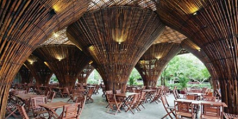 Unik Kafe Ini Ditopang 10000 Bambu