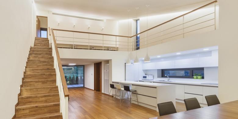 Di Dalamnya Desain Rumah Yang Miring Atau Condong Ke Bawah Memungkinkan Adanya Penambahan Luas Lantai Ruang Tamu Dan Teras Diposisikan Atas