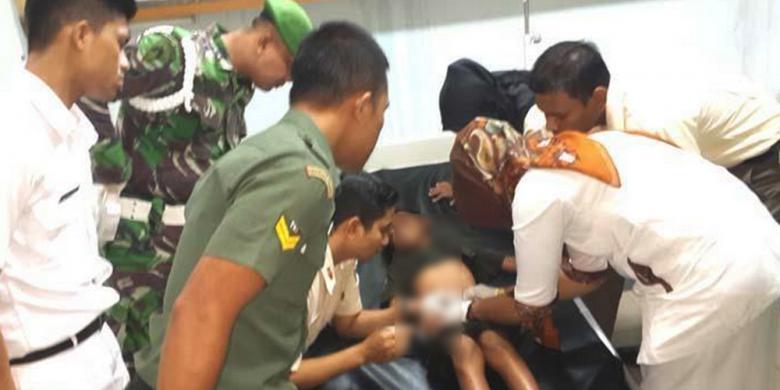 lintah bersarang di lubang kemaluan bocah korban banjirLintah Masuk Kemaluan Pelajar Perempuan #11