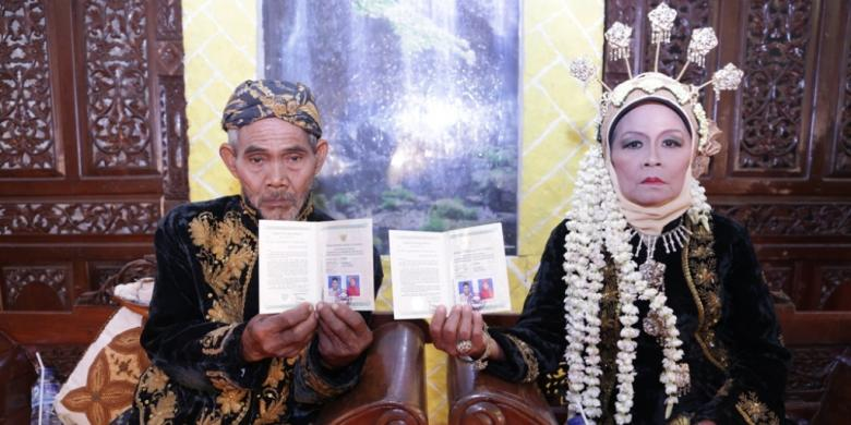 Download 440 Background Foto Buku Nikah Paling Keren