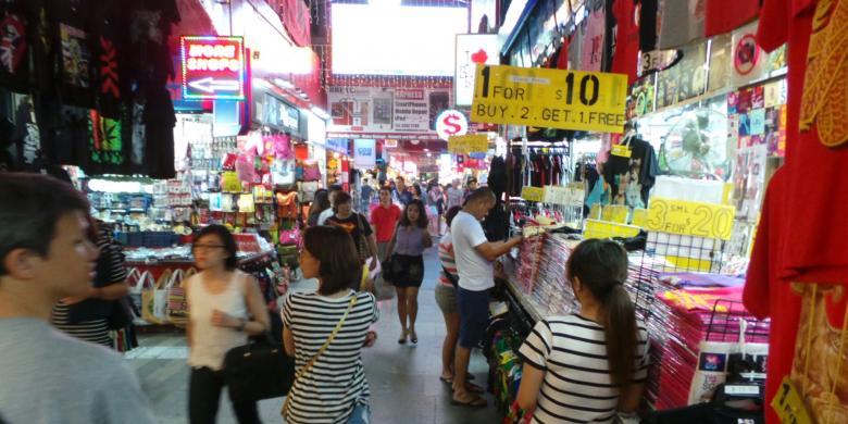 Lorong Di Pusat Perbelanjaan Bugis Street SingapuraKOMPASCOM ICHA RASTIKA
