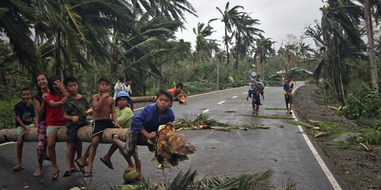 Bencana angin topan filipina dating